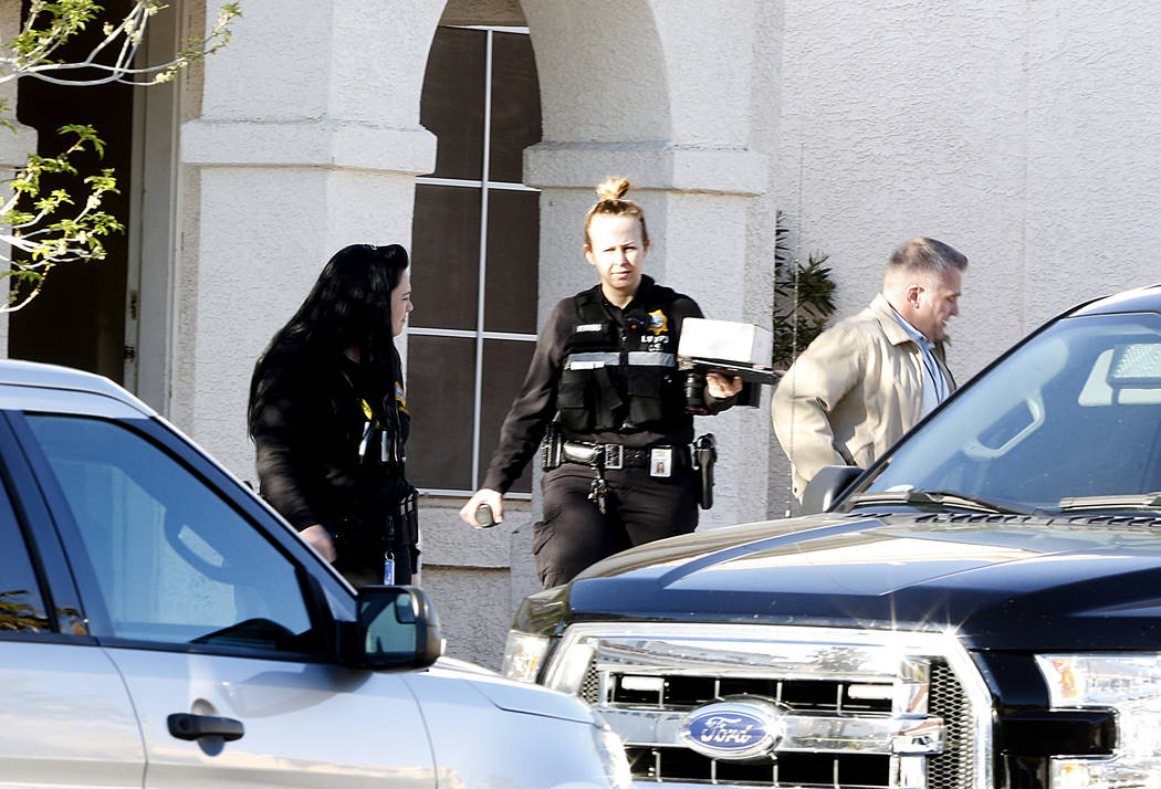 Las Vegas police crime scene investigators are investigating the death of a woman on 8521 Copper Knoll Ave. on Tuesday, March 14, 2017, in Las Vegas. (Bizuayehu Tesfaye/Las Vegas Review-Journal) @ ...