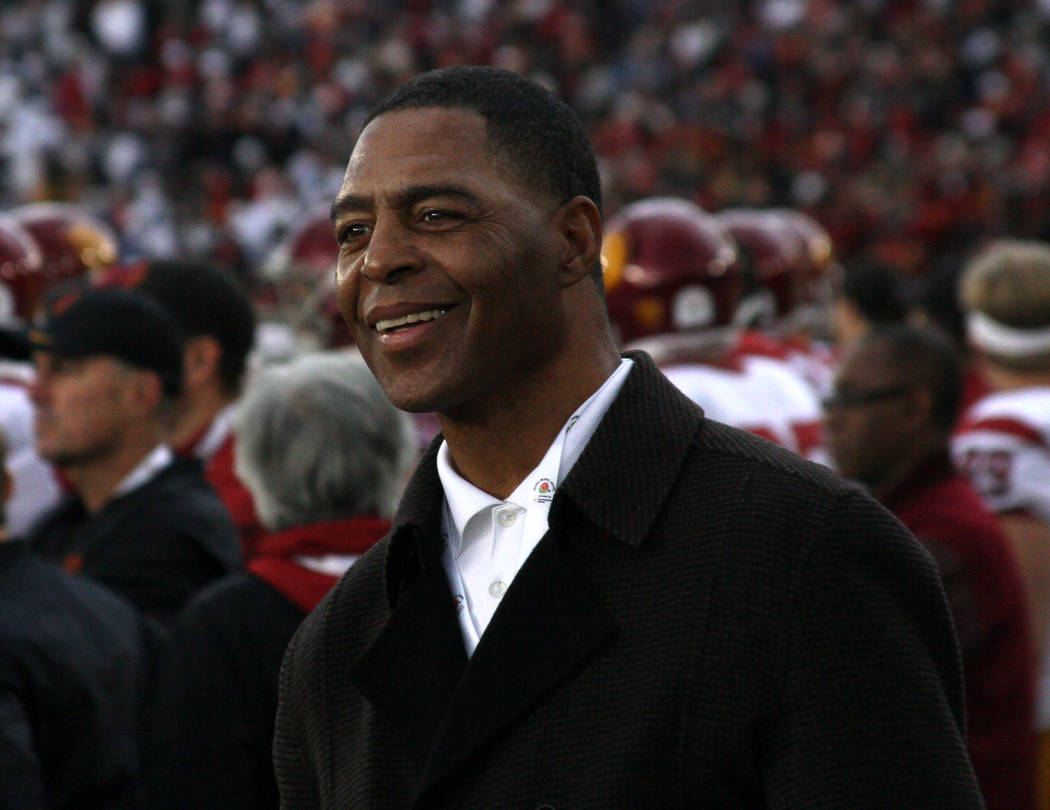 USC & NFL great Marcus Allen on the sideline during the game against the Penn State Nittany Lions USC Trojans in the 103rd Rose Bowl Game. Monday January 2,2017 in Pasadena, CA. (AP Photo/Kevi ...