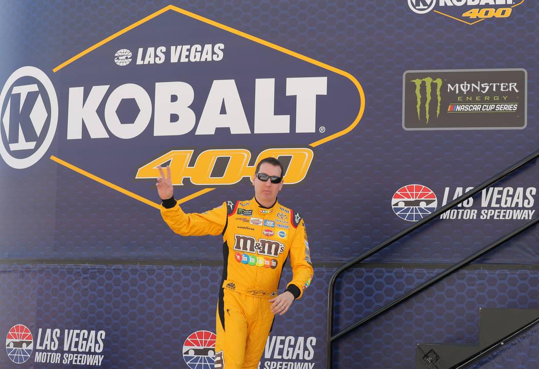 Take A Look At Kyle Larson S Pit Crew At Las Vegas Motor Speedway Video Las Vegas Review Journal