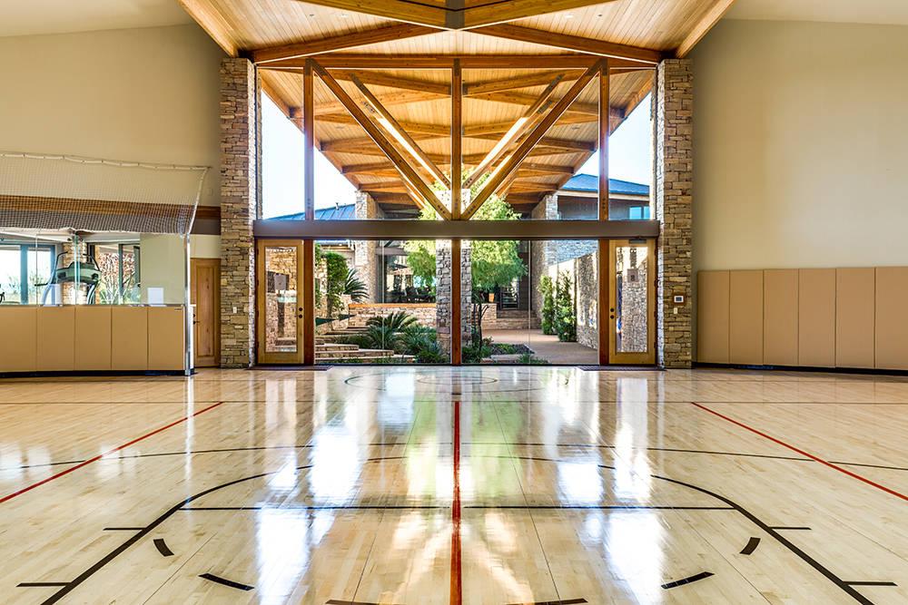 Million-dollar homes with lavish sports courts — PHOTOS – Las ...