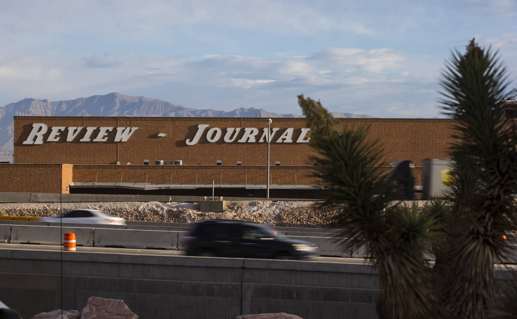 """Traffic moves along U.S. Highway 95 during the first morning of the """"Big Squeeze"""" at the Spaghetti Bowl in Las Vegas on Tuesday, March 21, 2017. (Chase Stevens/Las Vegas Review-J ..."""