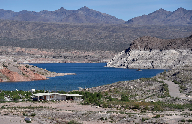 The Echo Bay Marina boat docks are seen out of the water at Lake Mead Tuesday, April 26, 2016, at the Lake Mead National Recreation Area. (David Becker/Las Vegas Review-Journal) @davidjaybecker