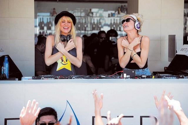 Australian twin-sister DJ duo Nervo. (Al Powers/PowersImagery)