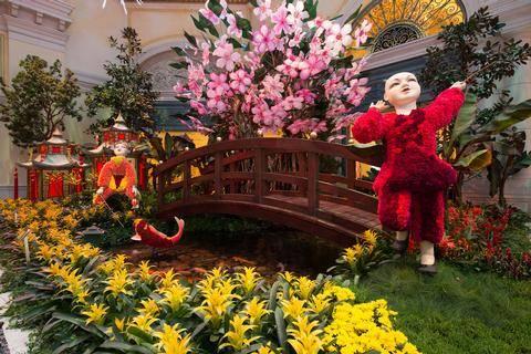 Bellagio Conservatory U0026 Botanical Gardensu0027 2017 Lunar New Year Display In Las  Vegas. (