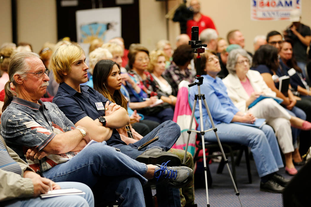 People watch a debate-forum for Henderson mayoral candidates at the Henderson Convention Center, Monday, March 27, 2017, in Henderson. (Chitose Suzuki/Las Vegas Review-Journal)