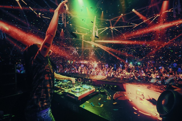 Steve Aoki DJs in Hakkasan nightclub in MGM. (Courtesy photo by Al Powers, PowersImagery.com)