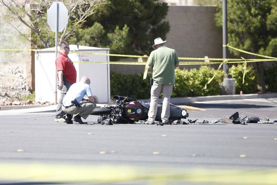 Las Vegas police investigate a motorcycle crash at West Flamingo Road and South Durango Drive, Wednesday, March 29, 2017. (Bizuayehu Tesfaye/Las Vegas Review-Journal) @bizutesfaye