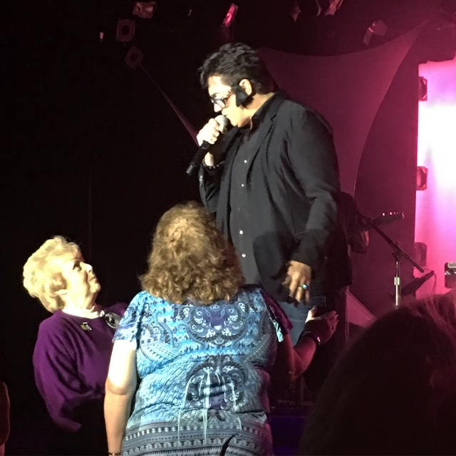 Gordie Brown performs his Elvis Presley impression during his final performance at Golden Nugget on Sunday, Nov. 27, 2016. (John Katsilometes/Las Vegas Review-Journal)