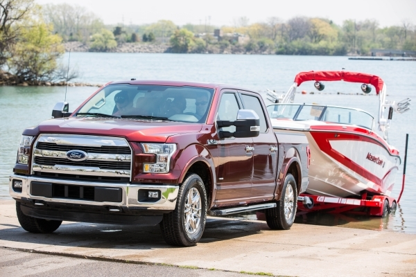 Ford, AmericaþÄôs truck leader, pioneers towing innovation again by introducing Pro Trailer Backup AssistþÑ¢ for the 2016 Ford F-150 þÄì a segment-first technology that  ...