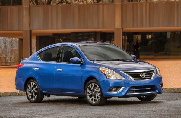 Nissan Versa se colocÛ entre los 10 vehÌculos m·s vendidos en MÈxico del 2015, con un total de 64,454 unidades.