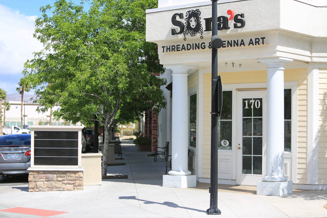 An empty placard accompanies an empty sidewalk at The Villages of Centennial Springs in Las Vegas on Thursday, March 23, 2017. (Brett Le Blanc/Las Vegas Review-Journal) @bleblancphoto