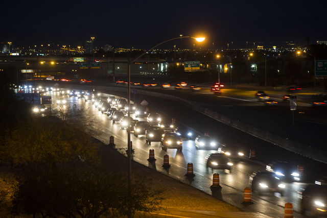 Drivers travel west along Summerlin Parkway as seen from Buffalo Road Jan. 26. (Chase Stevens/View) @csstevensphoto