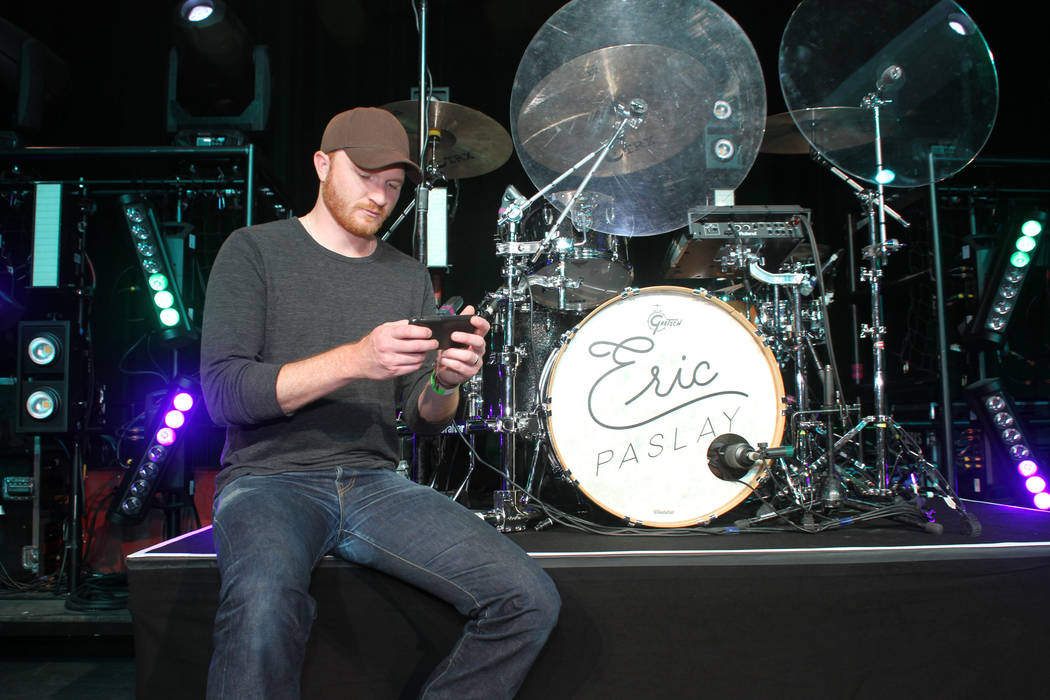 Continuous monitoring allows country music performer Eric Paslay perform without worrying about low blood sugar. (Dexcom)