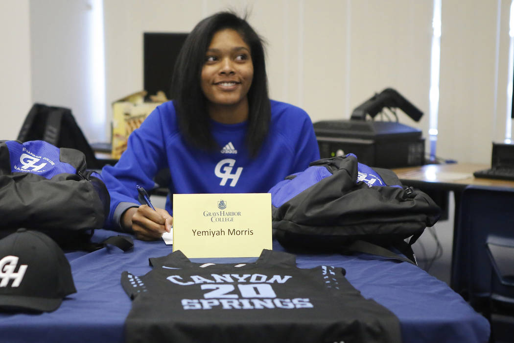Yemiyah Morris, 18, announced she will be playing basketball for Grays  Harbor College at