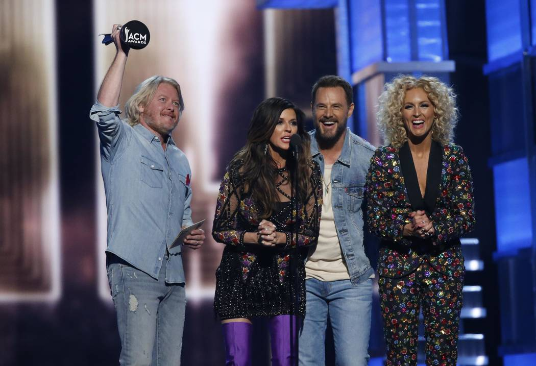 Acm awards praise country s new faces big voices las for Academy of country music award for video of the year