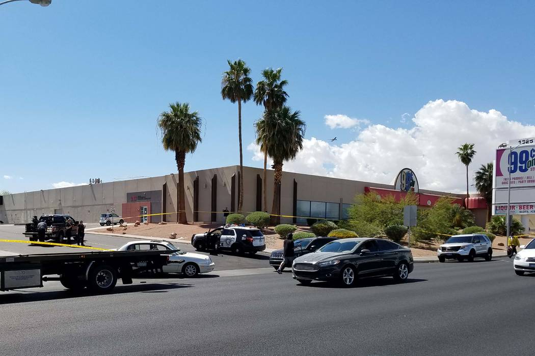 Las Vegas police were led on a chase after a robbery suspect fled the scene and crashed a vehicle near East Flamingo Road and Escondido Street on Monday, April 3, 2017. (Brett Steidler/Las Vegas R ...