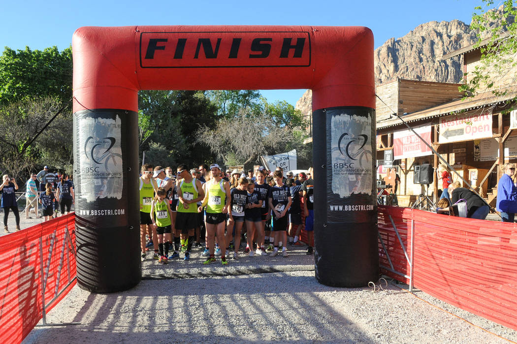 The start line at the 2015 Annual Wild West Cross Country Challenge (Photo courtesy of race director Jennifer Moore).