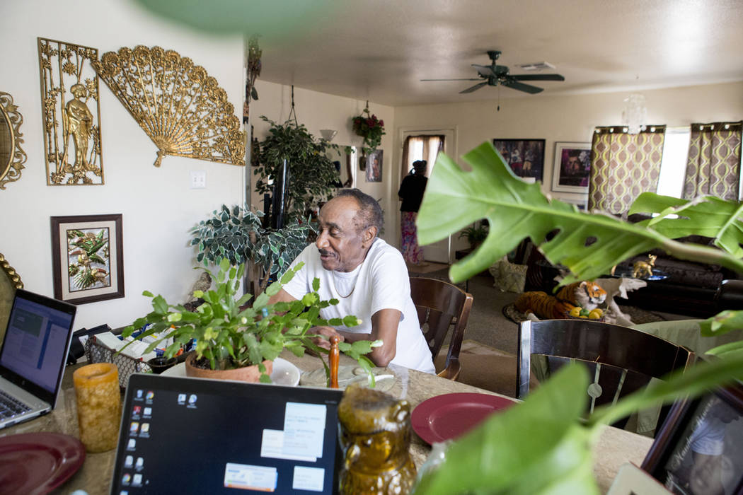 Roosevelt Bennett receives care from nurse practitioners with Healthcare Partners of Nevada in his Henderson home Wednesday, April 5, 2017. (Elizabeth Brumley Las Vegas Review-Journal) @EliPagePhoto