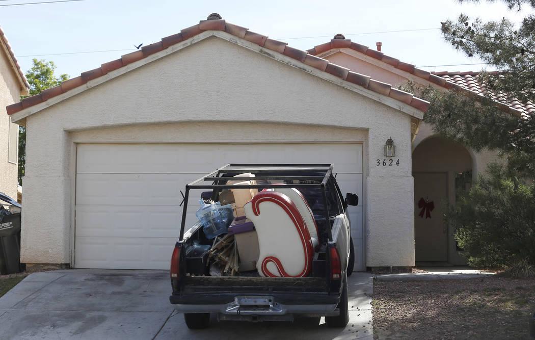 Las Vegas Cl >> Easy Access To Utilities Helps Las Vegas Squatters Las Vegas