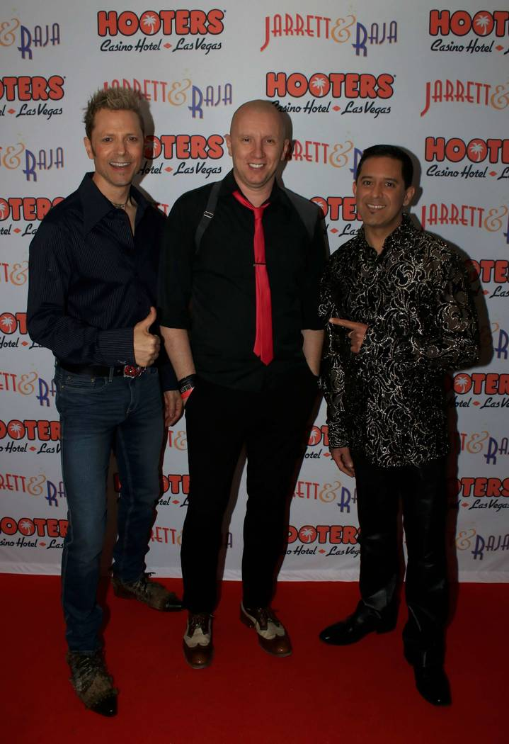 "Andy Walmsley, center, attends opening night of Jarrett & Raja's ""Magician vs. Maestro"" at Hooters Casino on Monday, April 3, 2017, in Las Vegas. (Ira Kuzma)"
