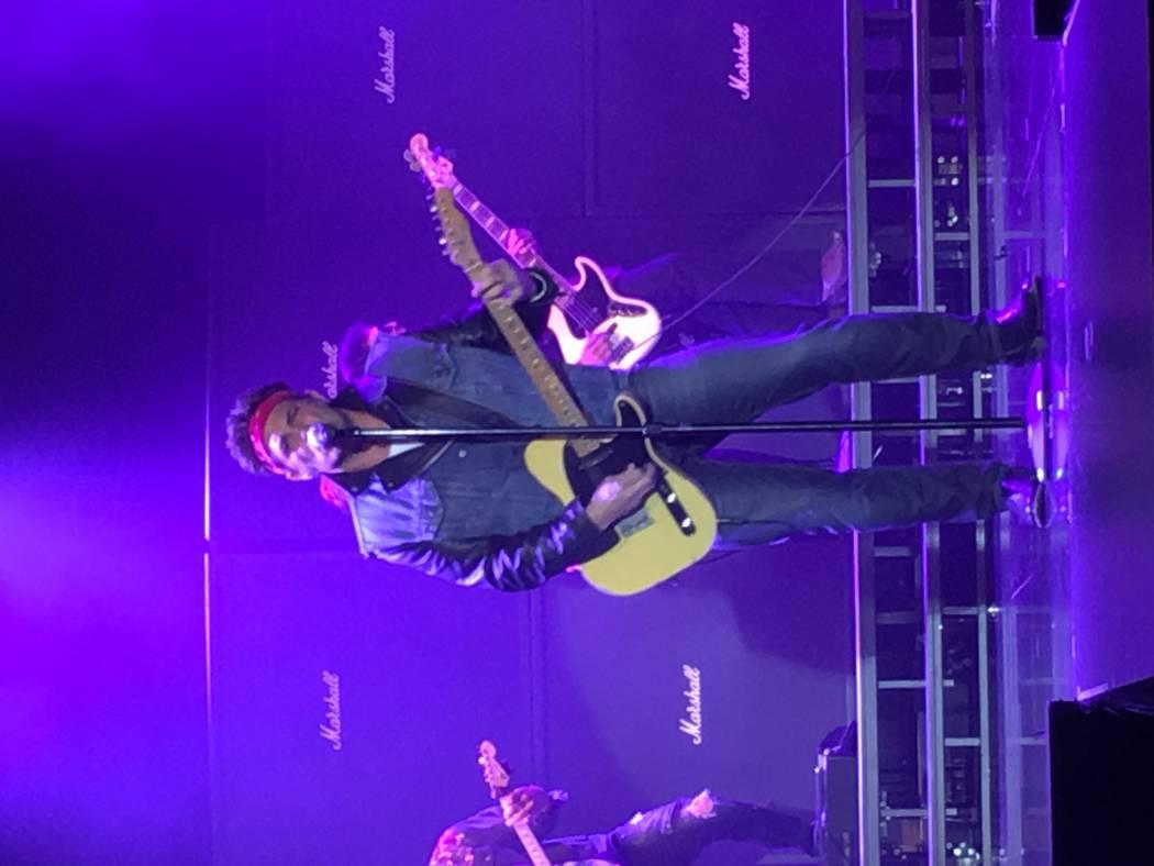 "Michael Shapiro as Bruce Springsteen opens ""The World's Greatest Rock Show"" at Stratosphere Showroom on Tuesday, April 4, 2017. (John Katsilometes/Las Vegas Review-Journal). @JohnnyKats"