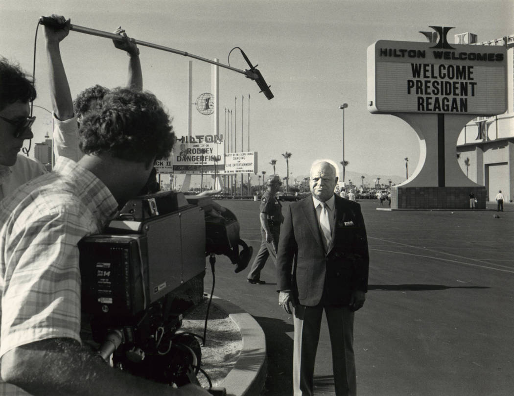 Don Rickles tapes a TV spot in front of the Hilton in Las Vegas on June 25, 1986. (Lim Laurie/Las Vegas Review Journal)