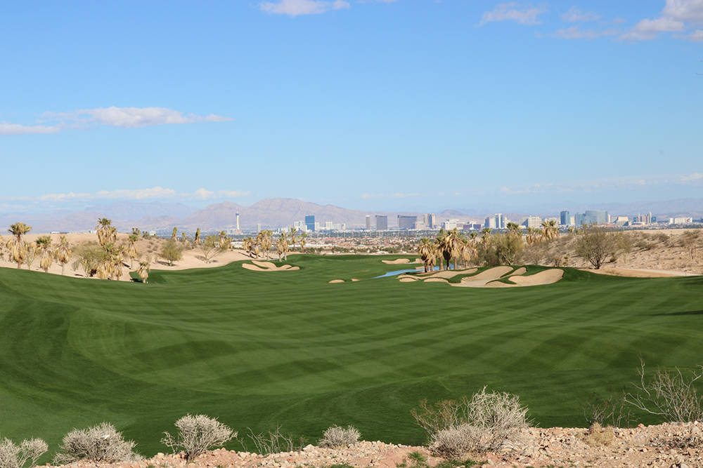 The crown jewel of Discovery Land and Howard Hughes Corp.'s The Summit Club is a Tom Fazio championship golf course with Strip views. (Discovery Land)