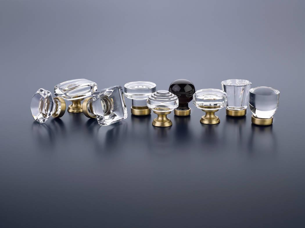 Emtek Emtek's popular crystal cabinet hardware series is now offered with stylish satin brass bases.