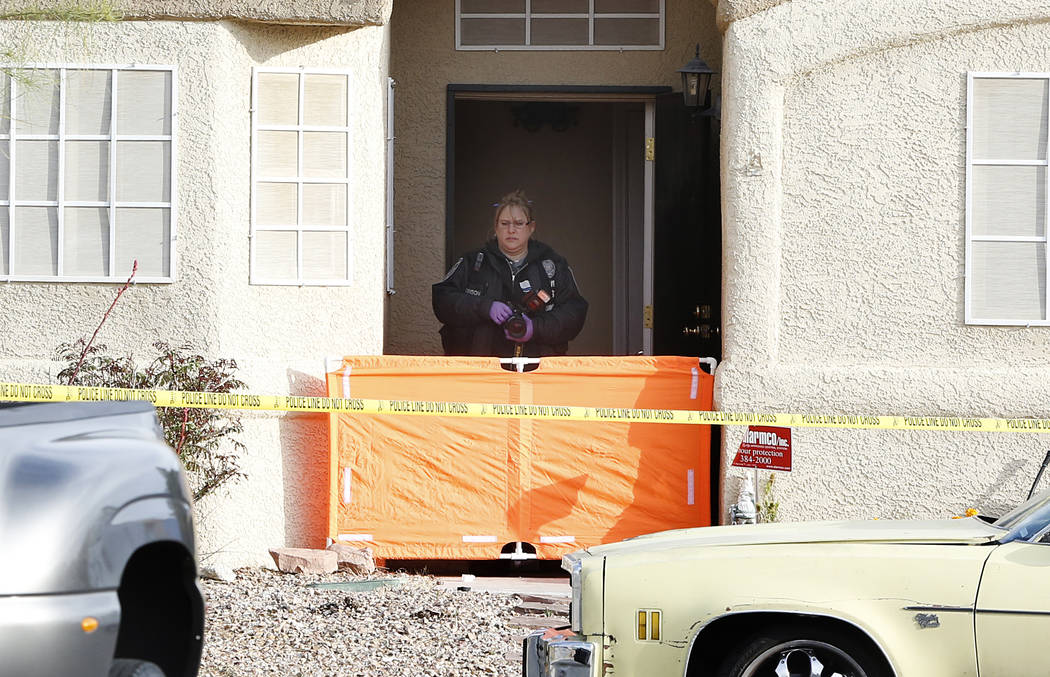 North Las Vegas police investigate the shooting death of a man at a home in the 5400 block of Dilly Circle, Monday, April 10, 2017. Bizuayehu Tesfaye/Las Vegas Review-Journal @bizutesfaye