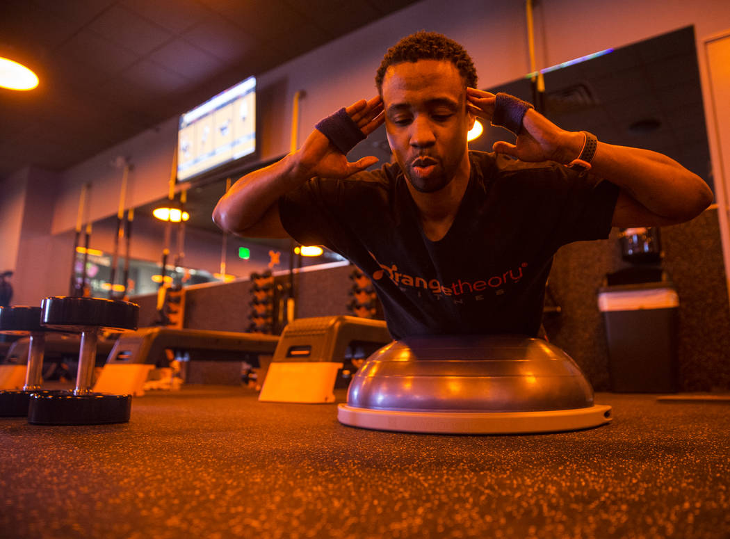 Lorenzo Rawls works his core during a training session at Orangetheory Fitness on Wednesday, April 5, 2017, in Las Vegas. (Benjamin Hager/Las Vegas Review-Journal) @benjaminhphoto