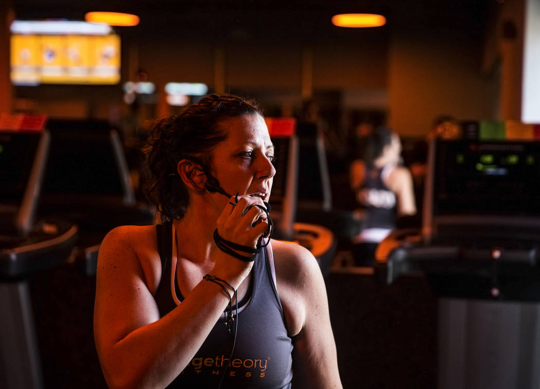 Coach Crystal Banda leads a training session at Orangetheory Fitness on Wednesday, April 5, 2017, in Las Vegas. (Benjamin Hager/Las Vegas Review-Journal) @benjaminhphoto