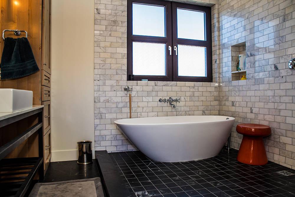 Master bath. (Tonya Harvey)