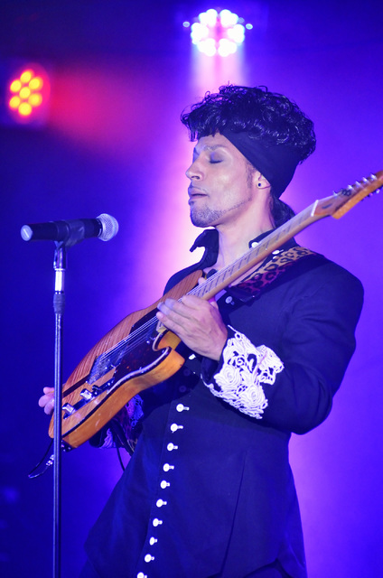 "Jason Tenner has performed at Prince in the tribute act ""Purple Reign"" for 20 years. (Bill Hughes/Las Vegas Review-Journal)"