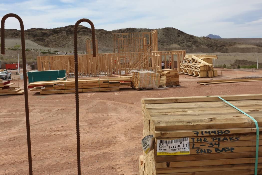 Housing construction underway at The Peaks, a new development at Lake Las Vegas that overlooks the Las Vegas Valley, on Monday, April 17, 2017. Michael Quine Las Vegas Review-Journal @Vegas88s