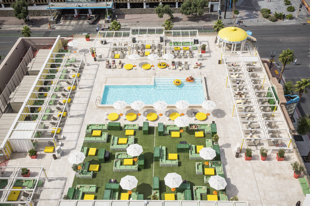 Citrus Grand Pool Deck at Downtown Grand