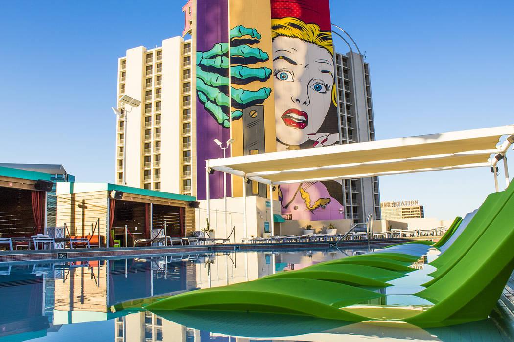 Plaza Hotel Pool