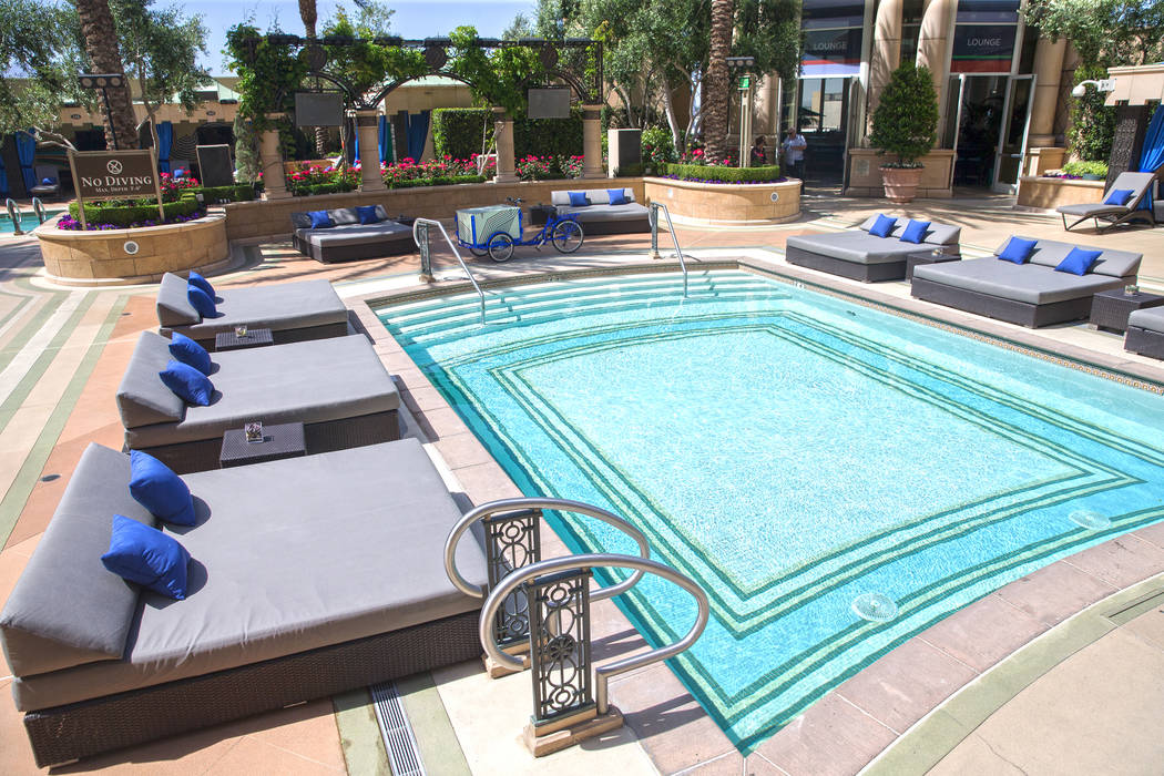 The Aquatic Club at The Palazzo hotel-casino offers a private pool, bar and cabanas. Photo taken on Thursday, April 13, 2017, in Las Vegas.  Benjamin Hager Las Vegas Review-Journal @benjaminhphoto