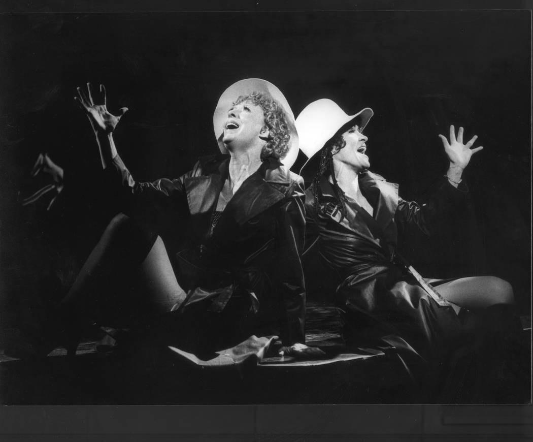 """Martha SwopeThe Smith Center for the Performing Arts  """"Chicago"""" killer-dillers Roxie Hart (Gwen Verdon) and Velma Kelly (Chita Rivera) in the original 1975 Broadway production, di ..."""