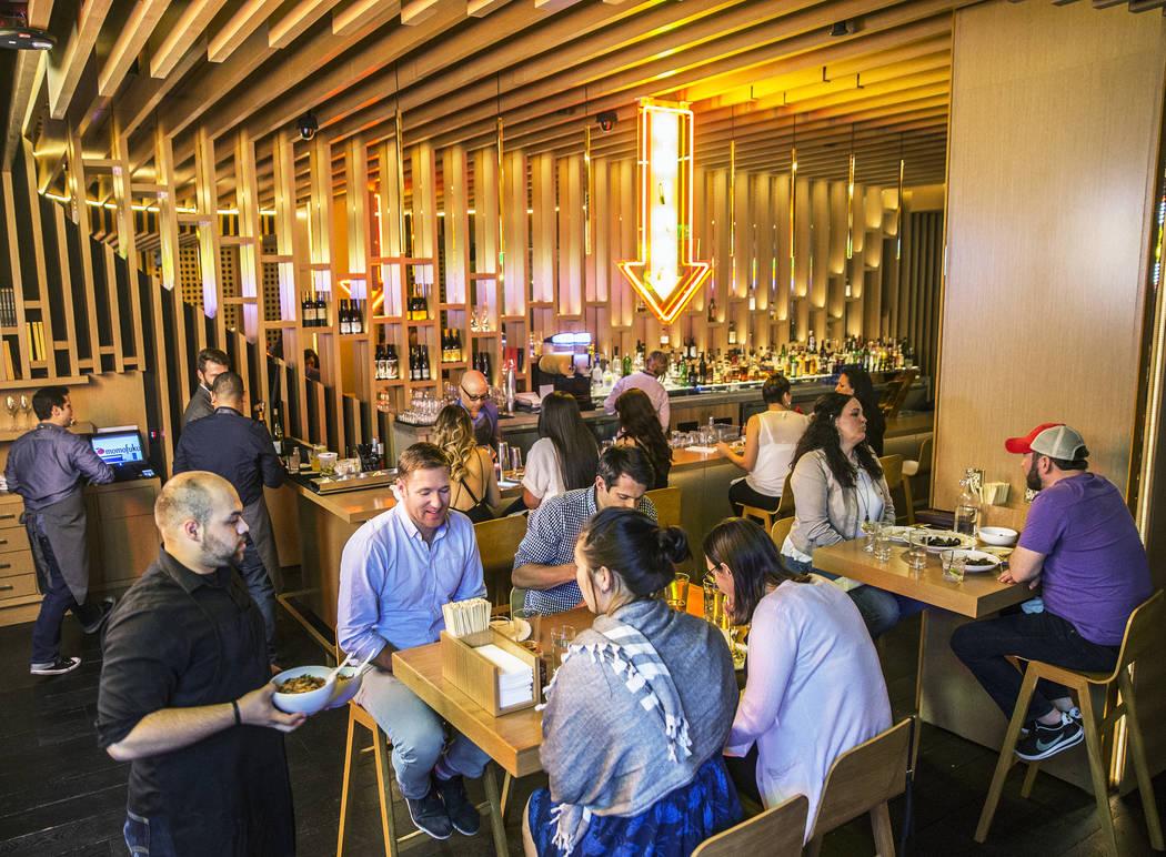 Guests enjoy dinner at Momofuku on Friday, April 21, 2017, in Las Vegas. Benjamin Hager Las Vegas Review-Journal @benjaminhphoto