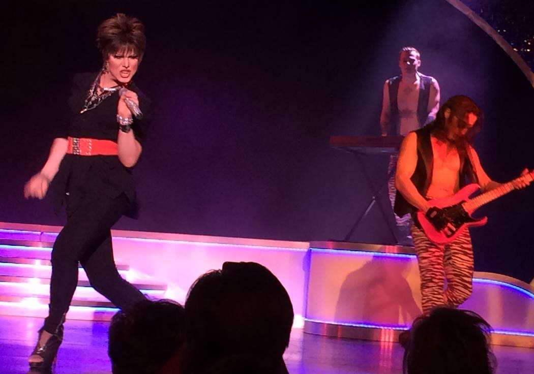 Kenneth Rex adds rocking energy to 'Divas Las Vegas' as Pat Benatar (Mike Weatherford/Review-Journal)