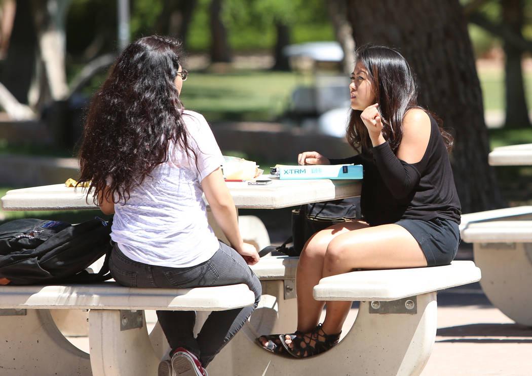 UNLV students Stacey Reyes, left, and Kattleya Sabanico talk on Friday, April 21, 2017, in Las Vegas. Bizuayehu Tesfaye Las Vegas Review-Journal @bizutesfaye