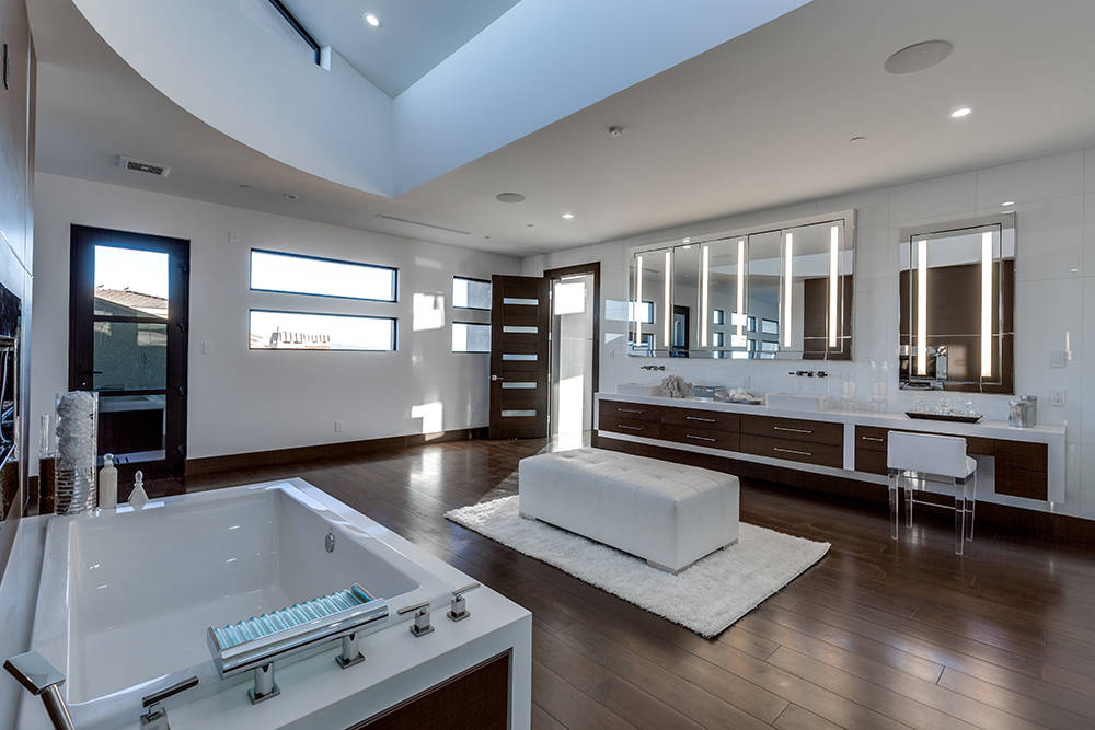The master bath. (Growth Luxury Homes)
