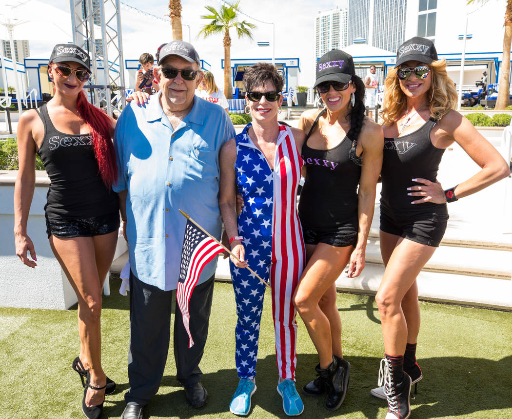 "Robin Leach, second from left, Helene Neville, center, and ""Sexxy"" cast members at Westgate on Saturday, April 22, 2017, in Las Vegas. (Erik Kabik)"