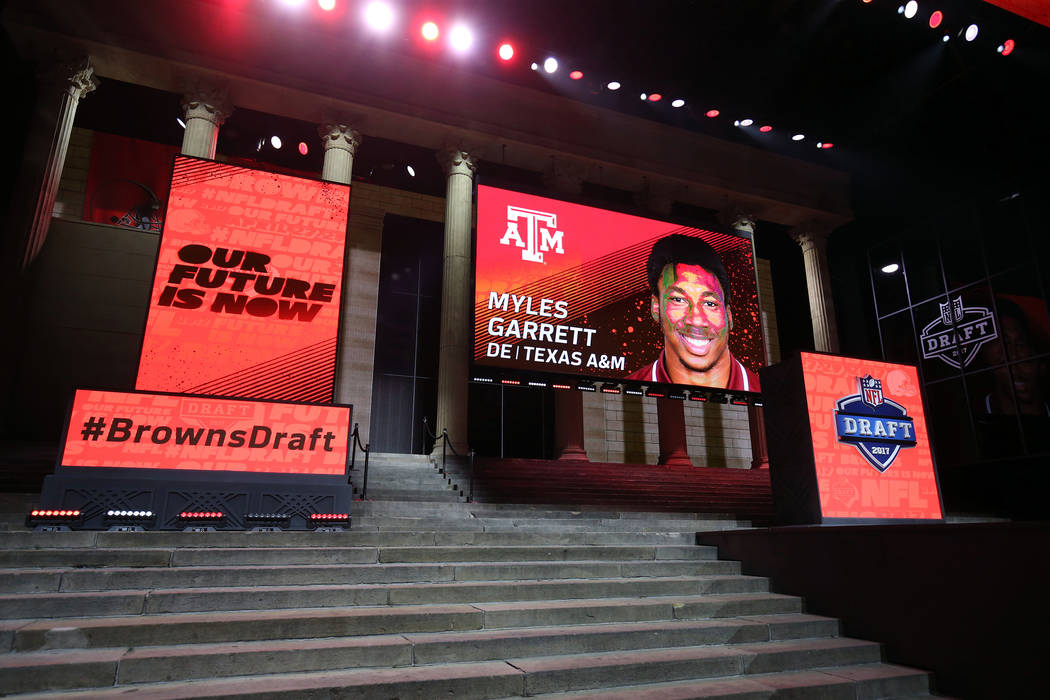 browns take texas a m s myles garrett no 1 in nfl draft. Black Bedroom Furniture Sets. Home Design Ideas