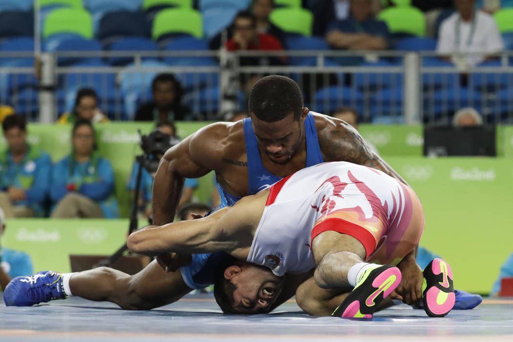 e7fef6e72937b0 Burroughs  win highlights freestyle wrestling finals at South Point ...