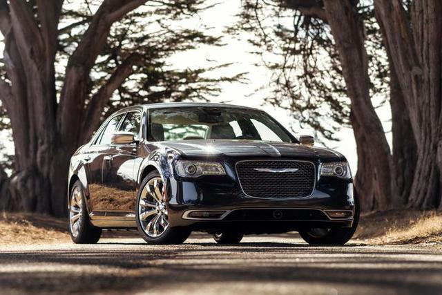 2017 Chrysler 300 earns four-star safety rating