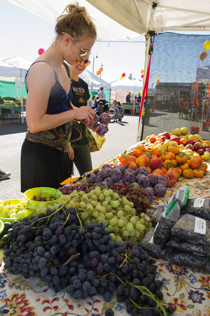 fresh52 Farmers' Market returns to Inspirada just in time ...