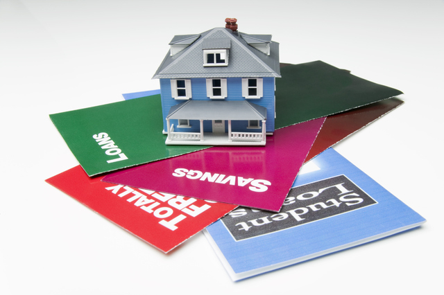 Student loans can make buying a home a challange. (THINKSTOCK)
