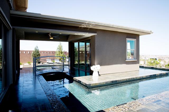 This pool runs under a bridge. (TONYA HARVEY/RJRealEstate.Vegas)