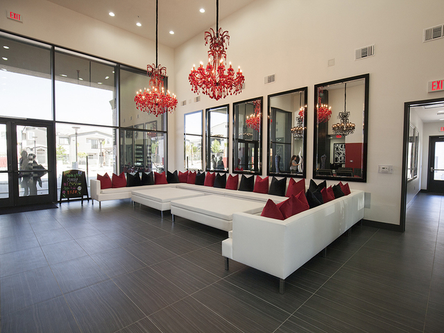 Greene-Tindall Southern Nevada Home Design created the luxury apartment complex's lobby. (ELKE COTE-RJREALESTATE.VEGAS)